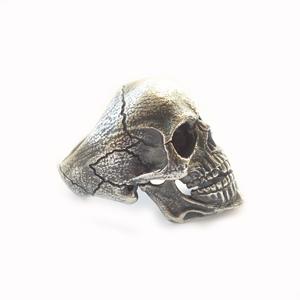Кольцо серебряное череп, чернение. Ivan Shkuratov