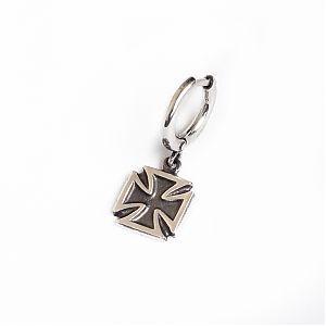 Серьга серебряная с Мальтийским крестом