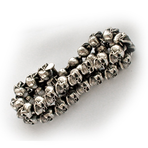 Байкерская атрибутика-Байкерский браслет серебряный Черепа, чернение.