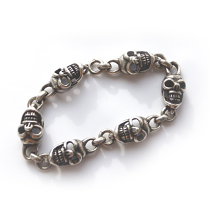 Байкерская атрибутика-Байкерский браслет серебряный череп вуду, чернение